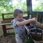 Mud kitchen - Develop new skills